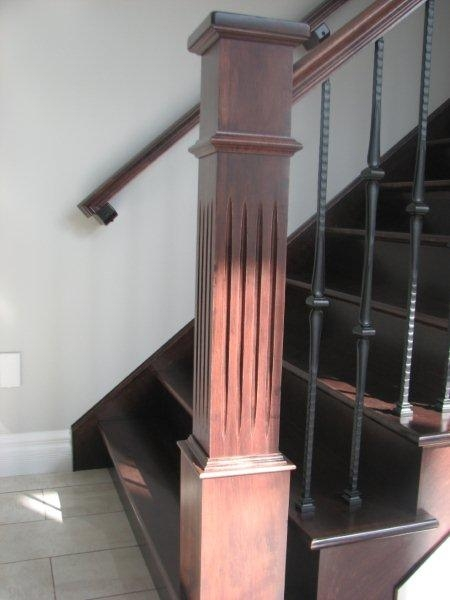 Oversized Fluted Box Newels & Hammered Spoon Metal Balusters - Picture #2